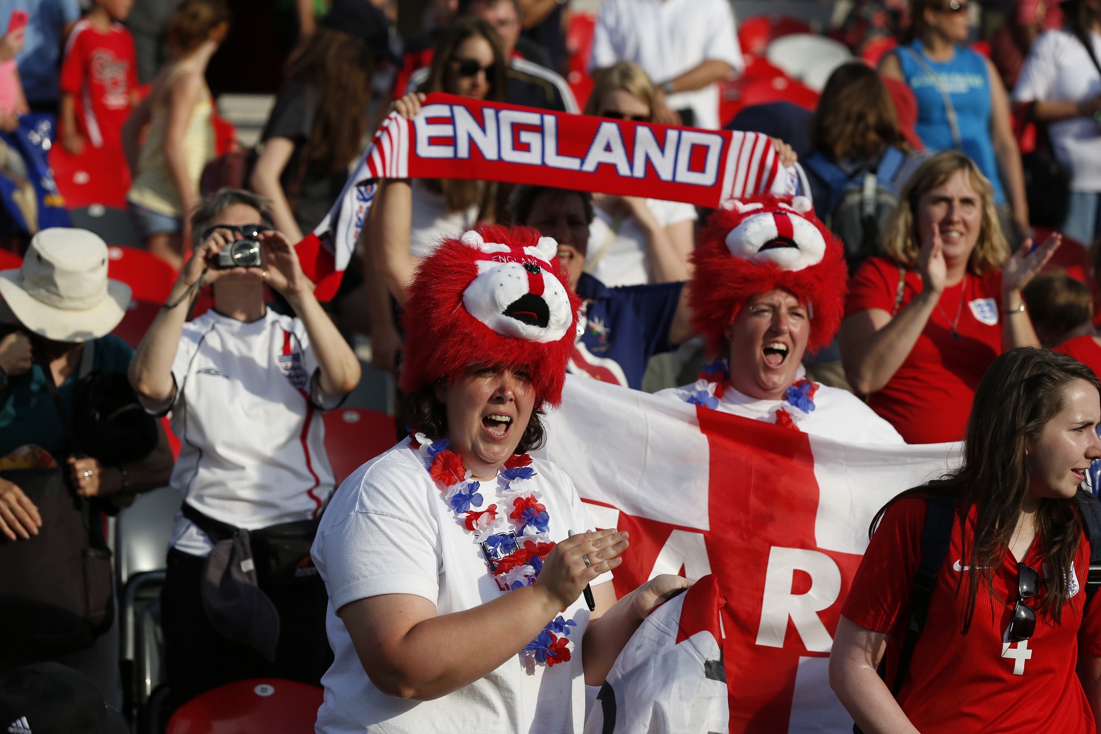 FIFA Women's World Cup - fan imagery to engage viewers of the article